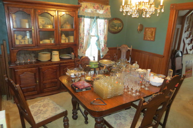 ESTATE SALE 306 WHITE ST MCCAULAND, IA