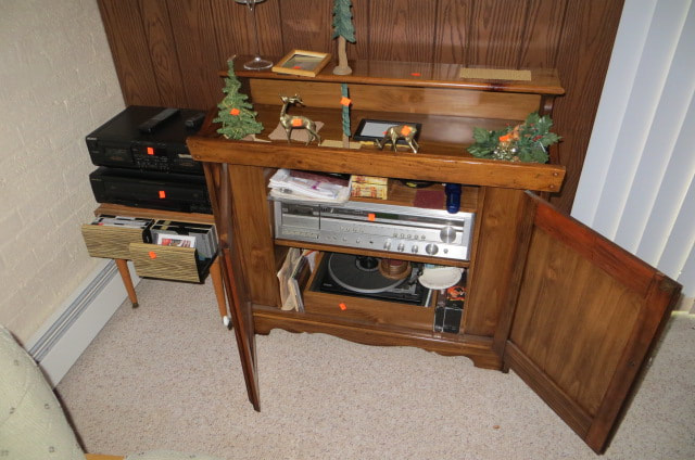 ESTATE SALE 2404 28th ST MOLINE, IL